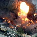 Melbourne factory fire sends toxic smoke into suburbs